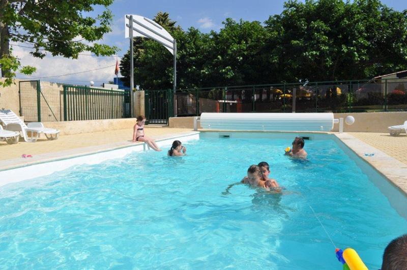 Een veilig zwembad - Klein natuurlijk zwembad ...